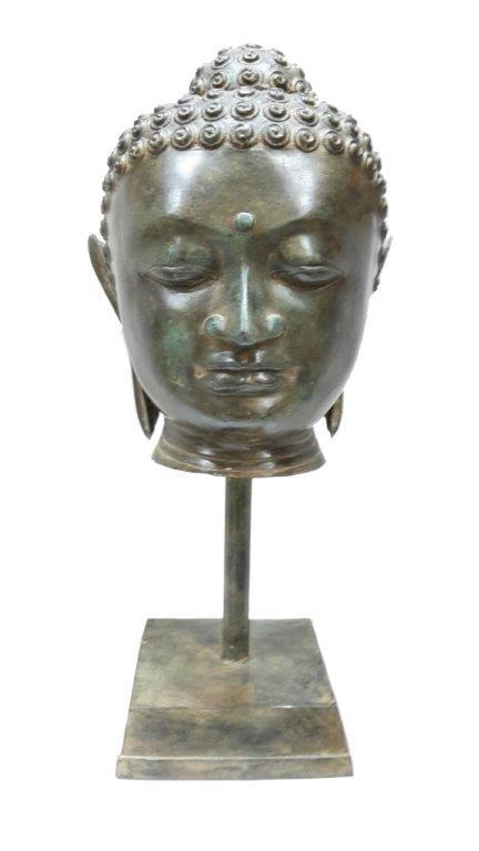 Buddha Kopf auf Standfuss