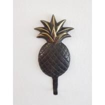 Ananas als Kleiderhaken