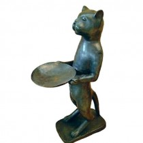 Katze mit Schale, grün patiniert