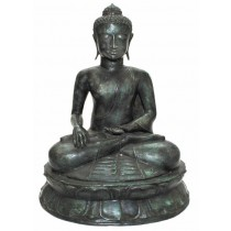 Buddha sitzend, grün patiniert
