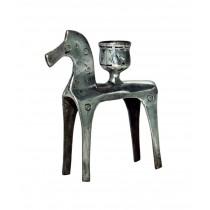 trojanisches Pferd mit Kerze