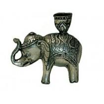 Elefant als Kerzenhalter