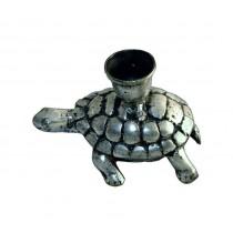Schildkröte mit Kerzenhalter