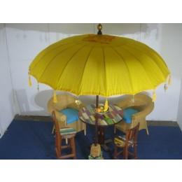 NEU, grosser gelber Sonnenschirm, ca. 250 cm Durchmesser