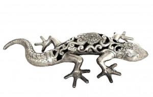 Gecko mit durchbrochener Verzierung
