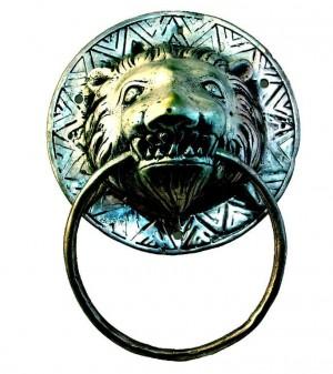 Tierkopf  Löwe als Wanddekoration oder als Tuchhalter